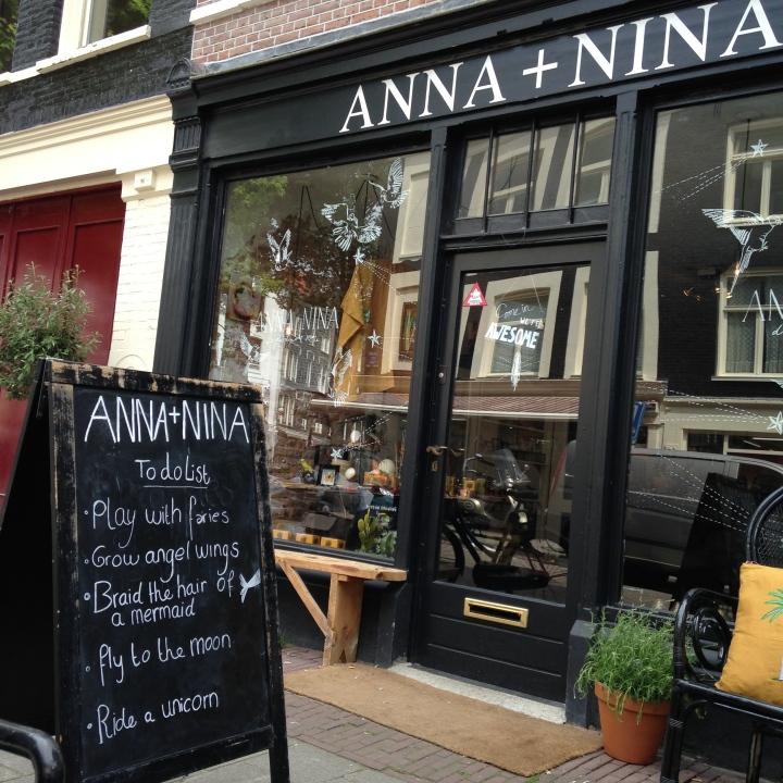 Anna and Nina, Amsterdam